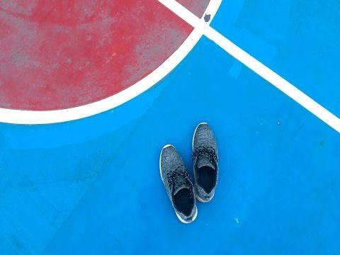 Pardoseala pentru teren de sport colorat