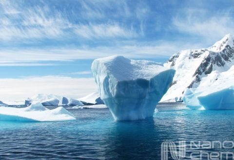 Un iceberg in Oceanul Arctic